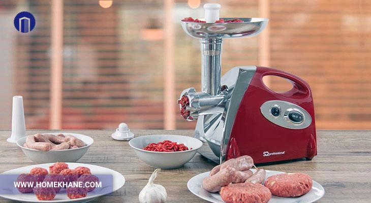 پیچیدن گوشت دور تیغه چرخ گوشت